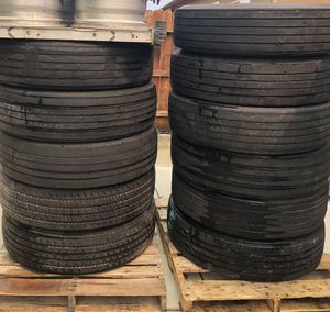 Truck Tires 275/80R22 for Sale in Dinuba, CA