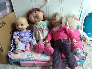 Baby dolls and bed for Sale in Fuquay-Varina, NC