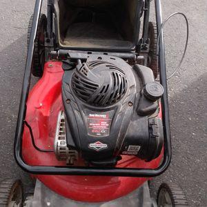 Briggs & Stratton Yard Machine Lawn Mower 21-in 550ex for Sale in Huntington Beach, CA