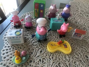 Peppa pig family collection for Sale in Walnut Creek, CA