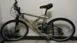 21 spd XRnext aluminum mountain bike (great condition) also comes with lock and key for Sale in Cleveland, OH