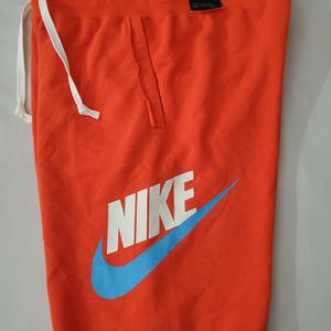 New Nike Sportswear Loose Fit Alumni Shorts AR2375-891 Orange Men's Small for Sale in Fontana, CA
