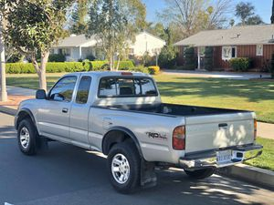 2000 Toyota Tacoma Pre-runner TRD for Sale in Los Angeles, CA