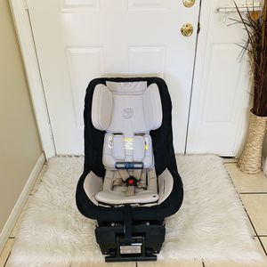 ORBIT g3 CAR SEAT WITH BASE for Sale in Riverside, CA