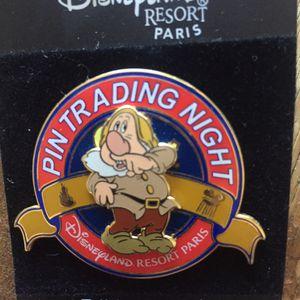 Disney Paris Snow White's Sneezy Trading Night Pin for Sale in Portola Hills, CA