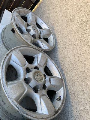 Tundra original wheels just dirty for Sale in Lakewood, CA