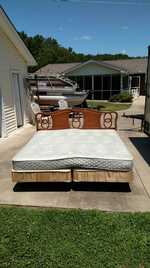 King-size Bed for Sale in Williamston, SC