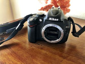 Nikon D5000 photo camera. Great condition. for Sale in N REDNGTN BCH, FL