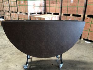 Round table for Sale in La Puente, CA
