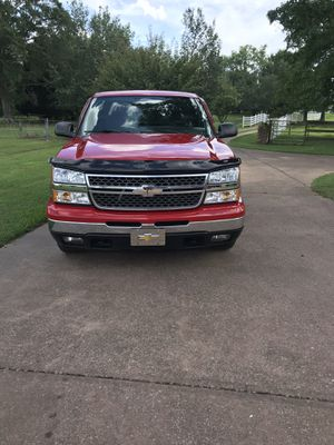 2007 chevy Silverado classic. 5.3 !!!!! Auto !!!! Power everything !!!! for Sale in Ardmore, AL