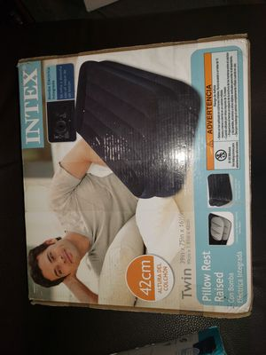 Twins pillow rest raised electric pump for Sale in Los Angeles, CA