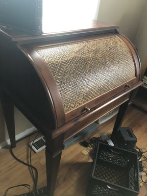 Bombay Roll top Desk for Sale in Fort Wayne, IN