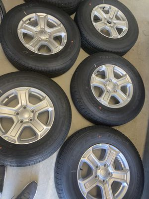 2019 Jeep Wrangler, Grand Cherokee set of 5 wheels and tires for Sale in Clarksburg, MD