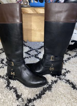 Michael kors boots size 8 for Sale in Longview, TX