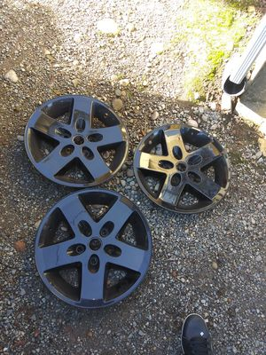 3 jeep wheel covers Gloss black for Sale in Tacoma, WA