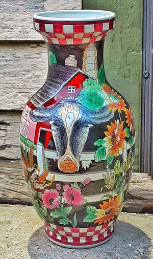 """12.5"""" H vintage chinese republic porcelain cow farmhouse red barn sunflower VASE ! for Sale in Saginaw, MI"""