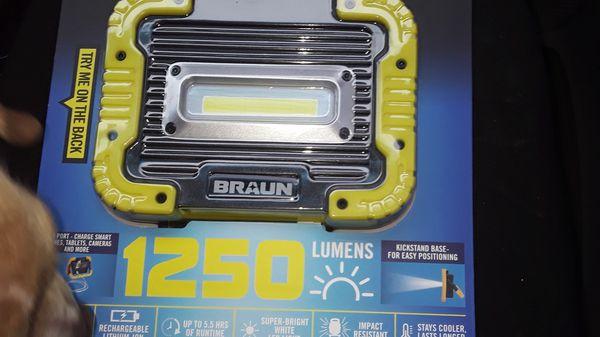 Braun 1250 lumens work light