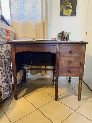 Antique small desk for Sale in La Mirada, CA