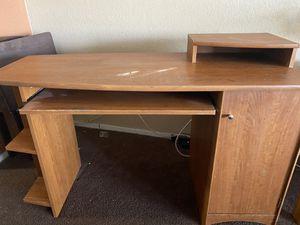 Computer Desk for Sale in Victorville, CA