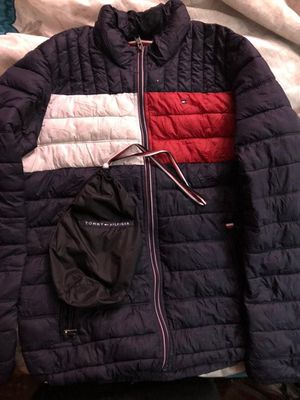 Tommy Hilfiger windbreaker puff jacket💯((lowest ill go 65)) for Sale in Dallas, TX