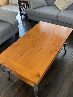 Coffee table ((real Wood )) for Sale in Sloan,  NV