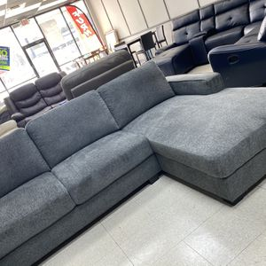 Sectional With Chase for Sale in Marietta, GA