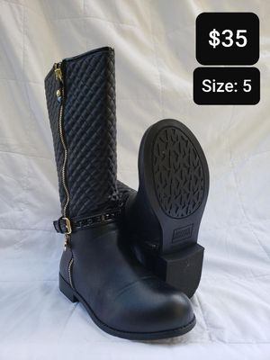 Woman Michael Kors Boots for Sale in Arlington, TX