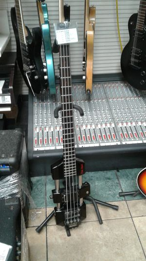 Weston the rail electric bass for Sale in Las Vegas, NV