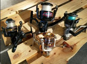 (Pompano) Pack of 4 Fishing Reels for Sale in Pompano Beach, FL