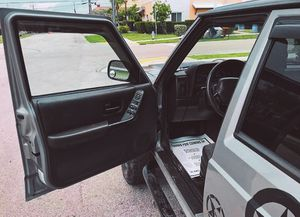 I'm the first owner and i want to sell my 2000 Jeep Cherokee $500(+) for Sale in Anaheim, CA