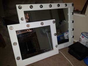 Makeup Vanity mirror for Sale in Riverside, CA