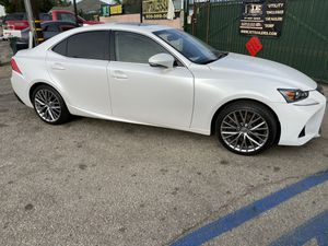 2017 Lexus IS 200t clean title payments ok for Sale in Bloomington, CA