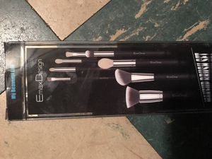 makeup brushes 8pieces for Sale in Philadelphia, PA