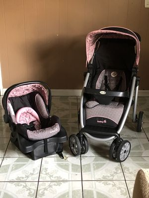 PRACTICALLY NEW SAFERY 1ST BABY TRAVEL SYSTEM STROLLER CAR SEAT AND BASE for Sale in Jurupa Valley, CA