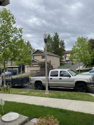 2005 Chevy Silverado 2500HD and 5x8 utility trailer for Sale in Tacoma, WA