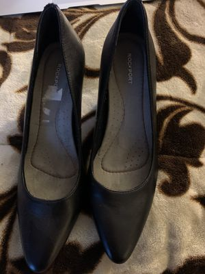 Low heels size 6.5 for Sale in Perris, CA