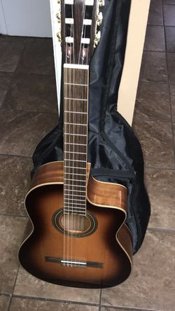 Cordoba Acoustic & Tuner Guitar (EXCELLENT CONDITION WORKS GOOD‼️) for Sale in Yakima,  WA