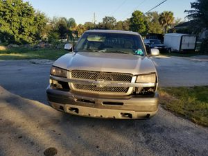 LOW MILES 2005 chevy Silverado 1500 LS 5.3 Vortec 119k miles runs great needs body work for Sale in Margate, FL
