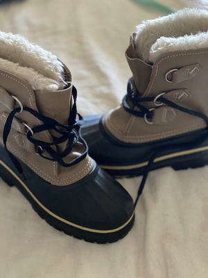 ❄️Sorel ❄️kids snow boots 🥾 for Sale in Tolleson, AZ