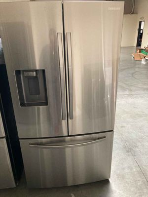 Samsung Fridge 27 cu. ft. French Door Refrigerator for Sale in Whittier, CA