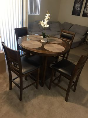 Kitchen dinner table with bar stool chairs for Sale in Phoenix, AZ