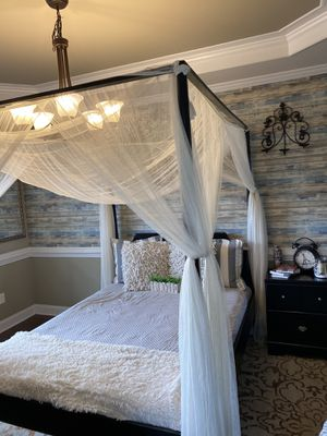 """Queen canopy bedroom set """" No Mattress included"""" for Sale in Cary, NC"""