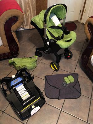 Doona car seat/stroller for Sale in Oklahoma City, OK