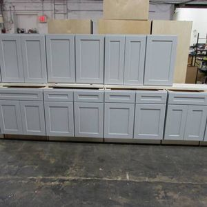 Kitchen And Vanity Cabients In Stock Wholesale Nationwide for Sale in Bethany, OK