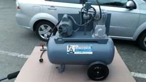 Sears industrial air compressor 220v for Sale in Oak Harbor, WA