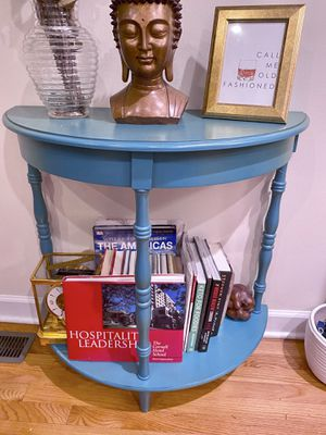 Half Moon Accent Table for Sale in Chicago, IL