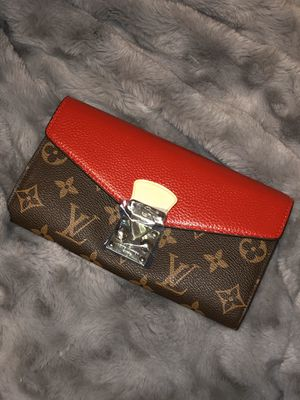 Lovely Vuitton wallet for Sale in Beaumont, TX