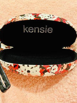 Kensie eyeglasses floral print case new for Sale in Lakewood, CA