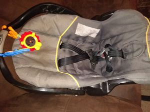 Graco car seat for Sale in Oklahoma City, OK