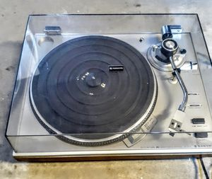 Vintage Sanyo turntable. for Sale in Milford, DE